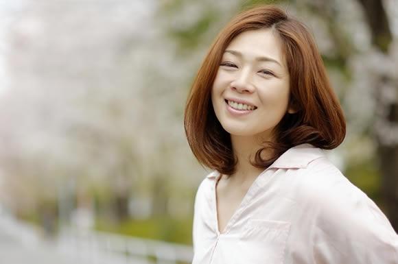笑顔で桜小道