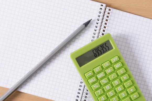 経理の仕事でキャリアアップしたいなら簿記!資格試験のポイントは電卓選び