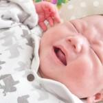 奇声を上げる赤ちゃん